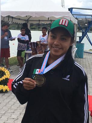 Kayaquista quintanarroense recibe medalla de bronce en Panamericanos
