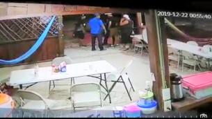 Video identifica a sujeto que ejecutó a dos en lonchería; no hay detenido