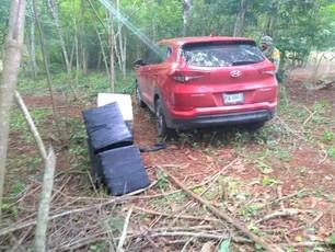 Aparece más cocaína bajada de Jet incendiado; estaba dentro de un vehículo abandonado en predio bald