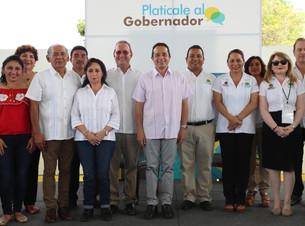 """Lleva Carlos Joaquín al municipio programa """"Platícale al gobernador"""""""