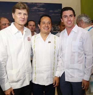 Participa Remberto Estrada en apertura de Pabellón Caribe Mexicano
