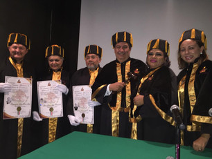 """Honor a quien honor merece; recibe Ricardo Adrián Samos reconocimiento del """"Doctorado Honoris"""""""
