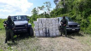 Realizan militares importante decomiso de cocaína valuado en casi 240 millones de pesos; había tambi