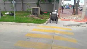 Aguakan muestra poder en la ciudad; rompe el asfalto y ya no lo repara