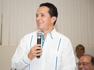 Carlos Joaquín se reunirá con Peña.