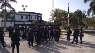 Se van a paro laboral policías municipales; piden destitución del director Osiris Ceballos por manip