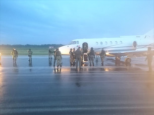 Le quita SEDENA más de 390 millones de pesos al narco; aseguró avioneta cargada con 54 paquetes de c