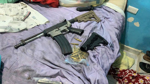 Localiza la ministerial casa de seguridad; encontraron arma larga, droga, autos y moto