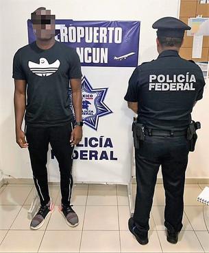 """Llega bien armado """"turista"""" extranjero; lo detuvo la Policía Federal en el Aeropuerto con una 9 milí"""