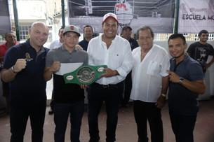 Nueva escuela de boxeo en la Isla; lo inaugura Juan Carrillo