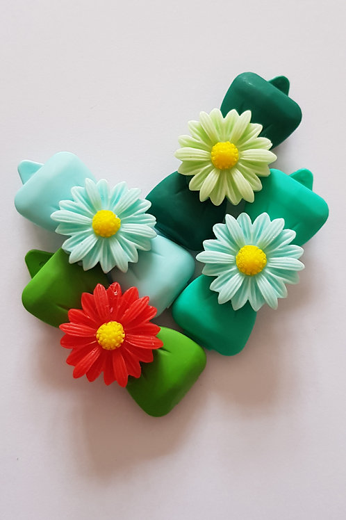 4.5 cm Large Bows with Daisies