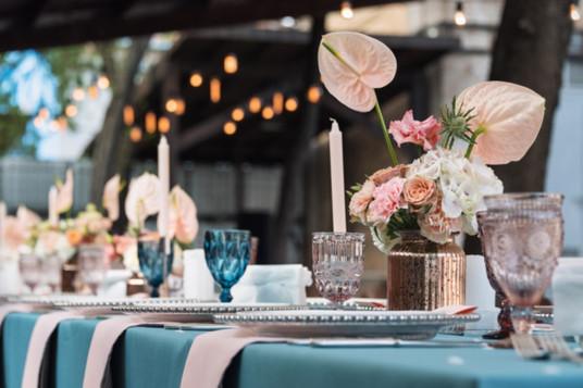 flower-table-decorations-holidays-weddin