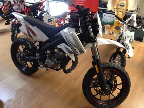 Moto SX Supermotard 50cc à boite