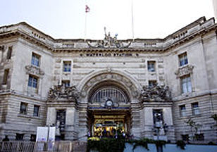 220px-Waterloo_Station_Victory_Arch.jpg