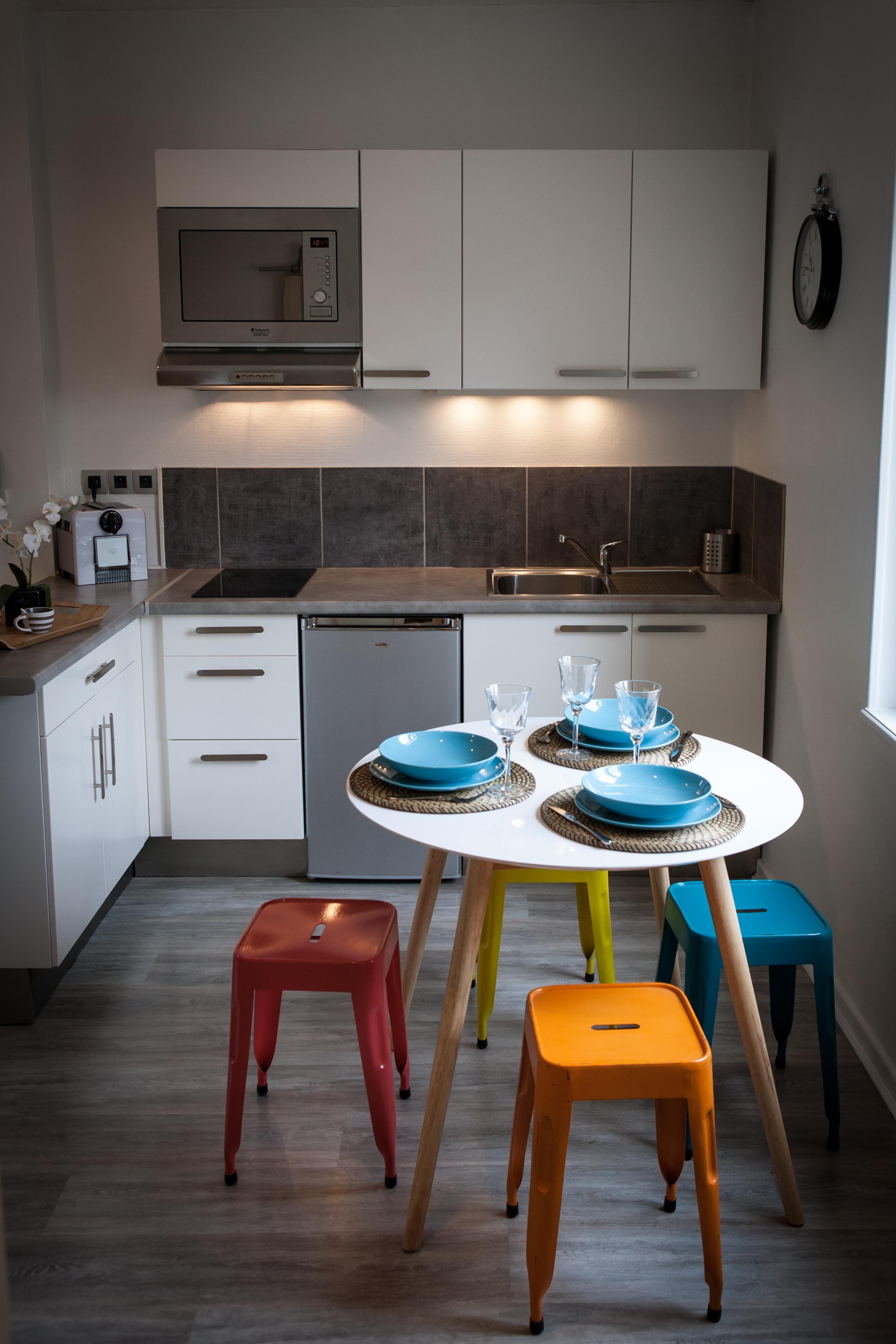 appart hotel metz la chambre de sophie meubl de. Black Bedroom Furniture Sets. Home Design Ideas