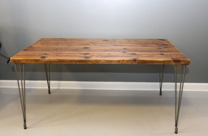 traditional-solid-wooden-desk-with-wood-