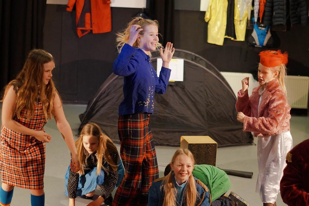 Camp Ivanhoe met fysiek spel en veel muziek. Voor veel kinderen het derde jaar JTZ en dat was te zien. Trots.
