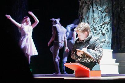Niels van Rijswijk in Beauty en het beest van Maas Theater en Dans