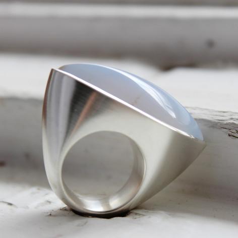Chalcedonring in Silber