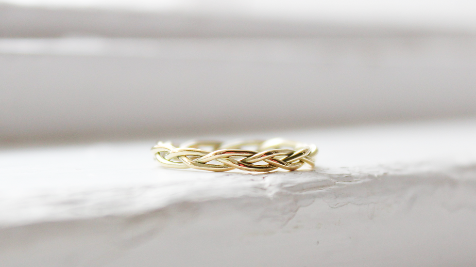 Geflochtener Ring in 585er Gold