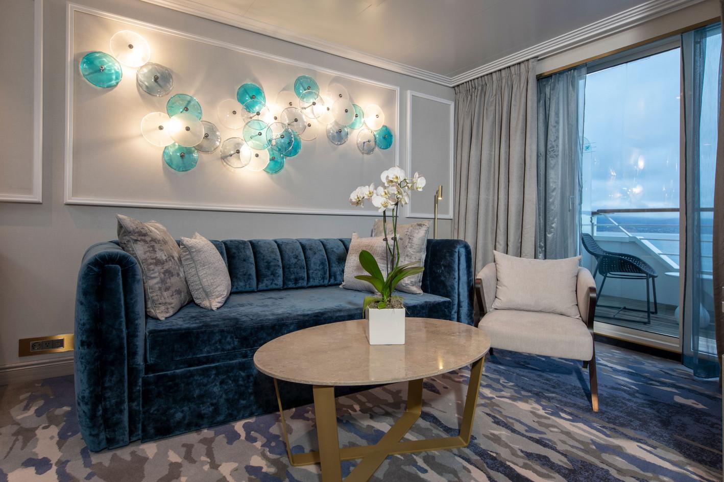 Seabreeze Penthouse Suite (SP) with Verandah Living Room Part 2