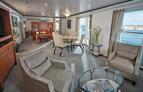 Grand Suite Living Room