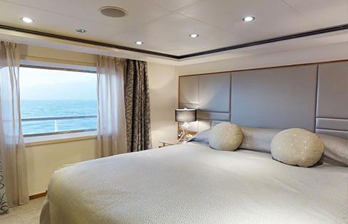 Seven Seas Suite (fwd) Bedroom