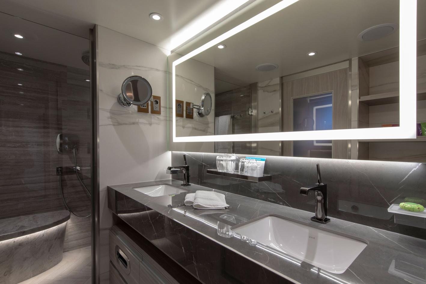 Seabreeze Penthouse Suite (SP) with Verandah Bathroom