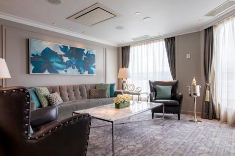 Crystal Penthouse with Verandah Living Room