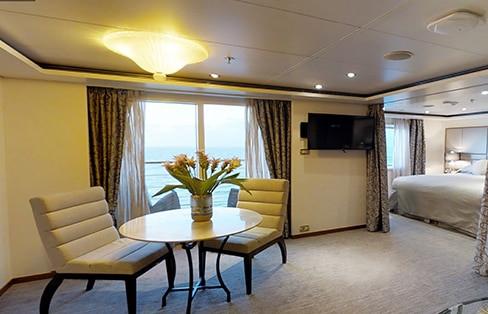 Seven Seas Suite (fwd) Living Room
