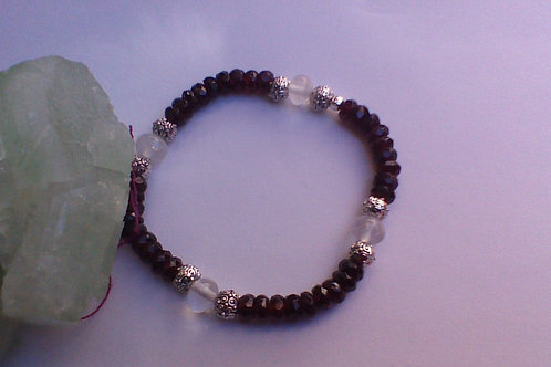 SOLD!! Garnet & Clear Quartz bracelet