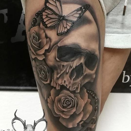 skull tattoo black and grey.jpg