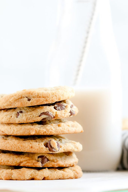 Classic Chocolate Chip Cookies (1 Dozen)