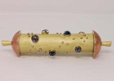 Boite , laiton, cuivre et perles de verres au chalumeau Solène Rolland 2020