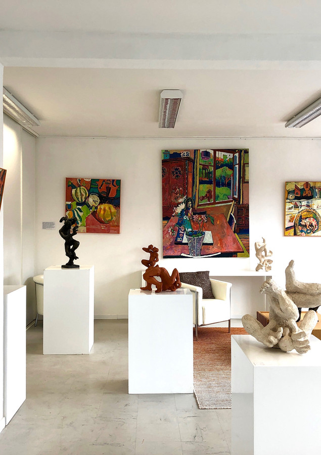 A l'étage exposition avec Antoine Halbwachs sculpteur et peintre. 2019