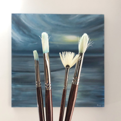 7 REASONS TO TRY ACRYLIC PAINTING TODAY!