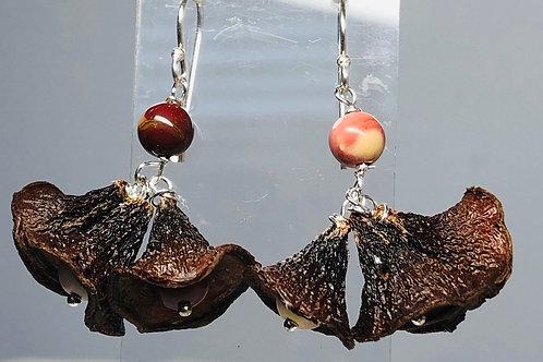 Triple gum nut earrings/mukite
