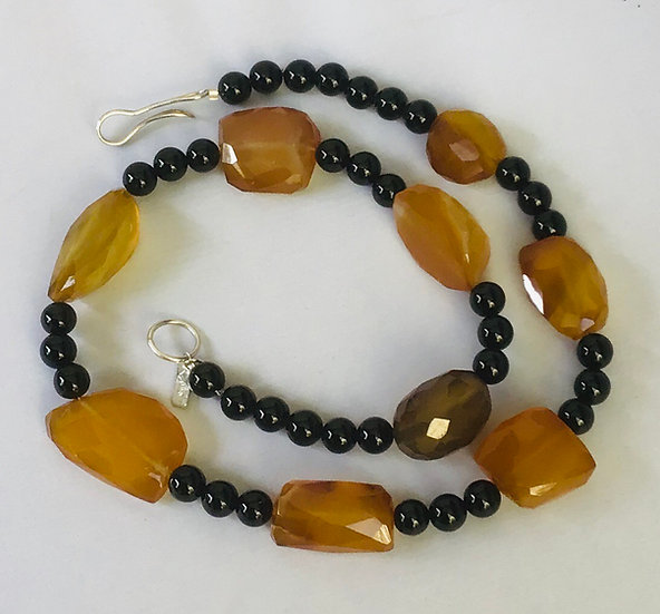 Chalcedony and black onyx necklace