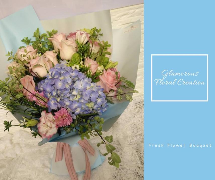 粉紅玫瑰藍繡球鮮花花束