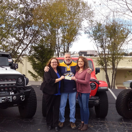 Middle 10 Jeeps donating to the CHF.