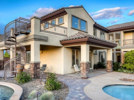 The Pros and Cons of Buying a House in Las Vegas