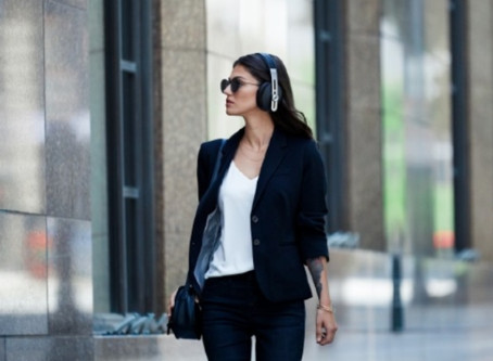Style Meets Superior Sound with Sennheiser M3 Momentum Wireless Headphones