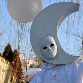 ZIMA-moon.jpg