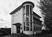 Außenansicht der Hilfestation Oldenburg, Gebäude im Bauhausstil