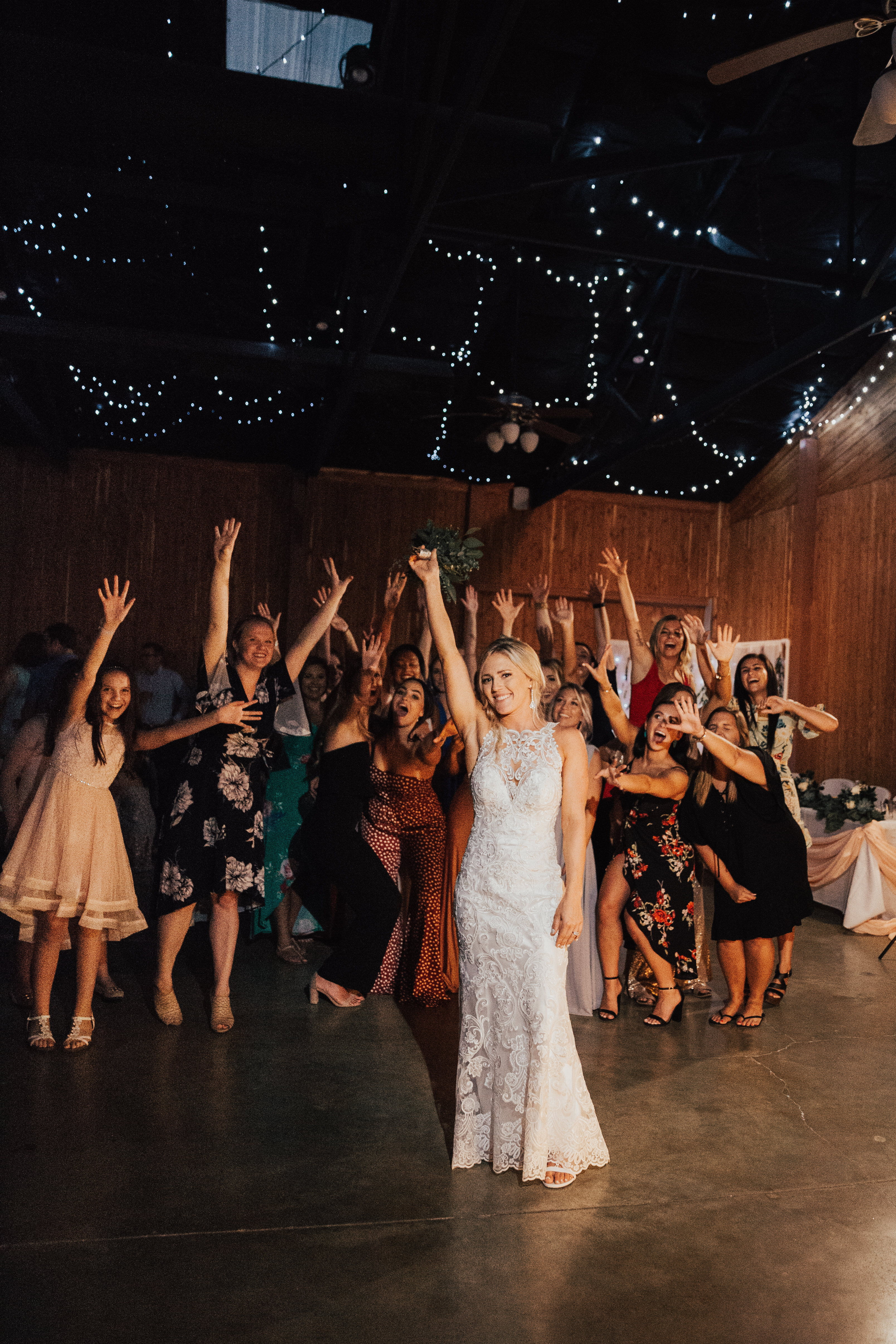 Bouquet Toss Wedding DJ Hermann MO