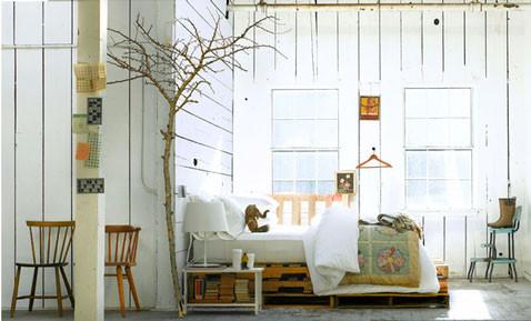 lit-fait-avec-palette-bois-ambiance-scandinave.jpg
