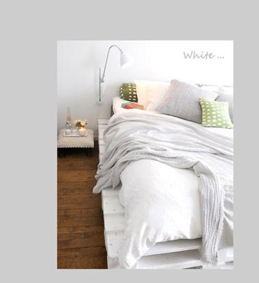 chambre-lit-palette-bois-peinture-blanc.jpg