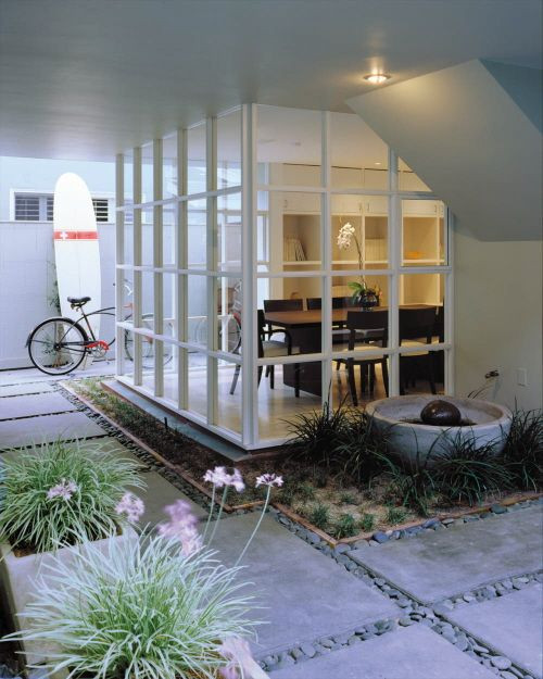 Dedans-dehors : une continuité de l'espace architectural