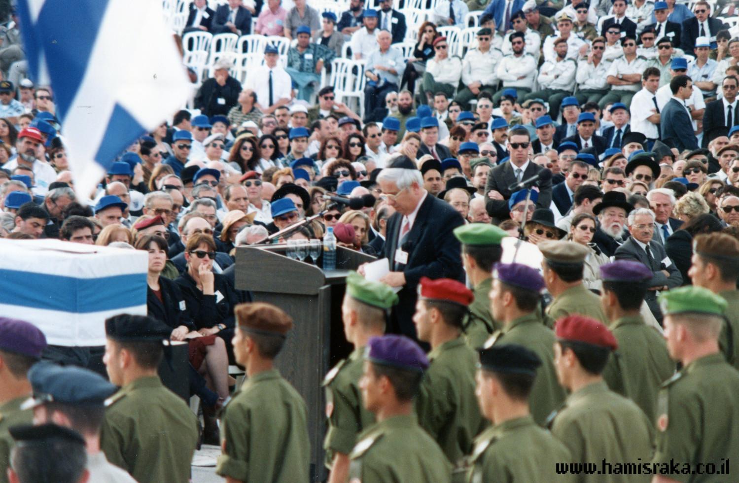 Pnina-Bor-Rabin-Funeral-10.jpg