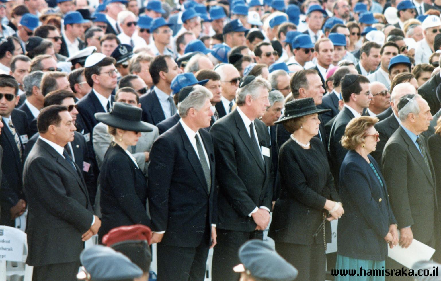 Pnina-Bor-Rabin-Funeral-5.jpg